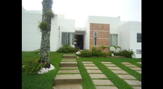 Casa en Alquiler ZONA RECIDENCIAL URUBO 4TO ANILLO EQUIPETROL Foto 18