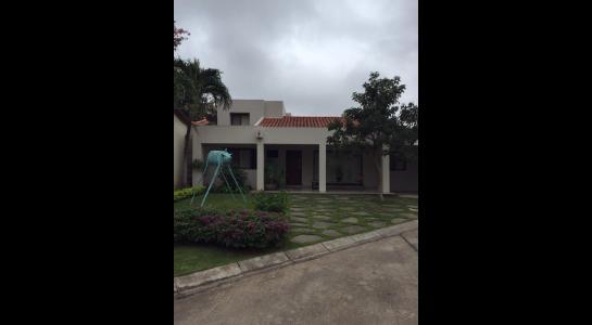 Casa en Alquiler AV. BENI Y 5 ANILLO Foto 3