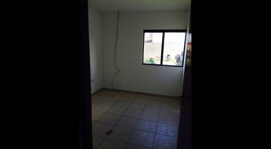 Casa en Alquiler AVENIDA BANZER Km 9 Foto 8
