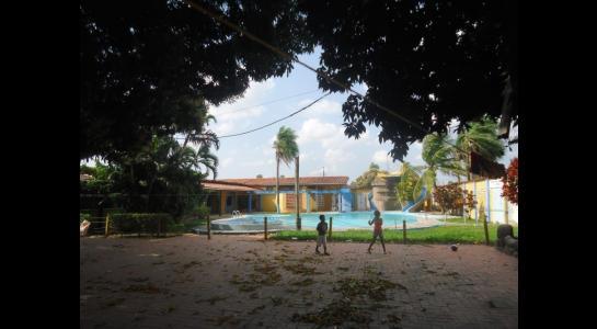 Casa en Alquiler Calle Ernesto Monasterio entre C/Los Mángales y Juan Latino, dentro el primer anillo de circunvalacion- Warnes Foto 15