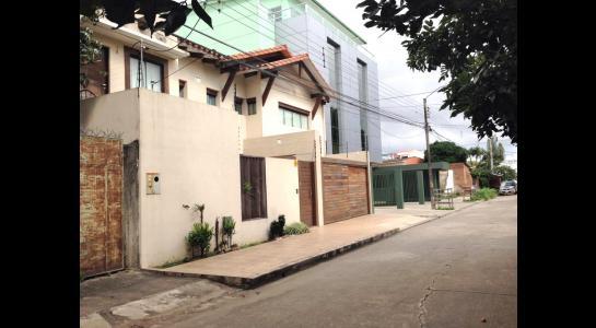 Casa en Alquiler Av Banzer entre 2do y 3er anillo Foto 5