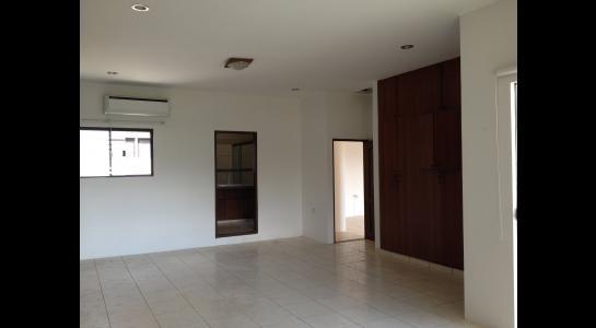 Casa en Alquiler Avenida Centenario 2 cuadras pasando 3er anillo hacia el 4º Foto 5