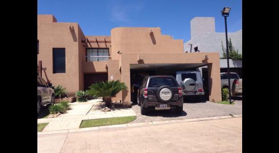 Casa en Alquiler AVENIDA BENI PASANDO EL 5 ANILLO,  CONDOMINIO LA HACIENDA II Foto 29