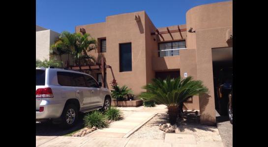 Casa en Alquiler AVENIDA BENI PASANDO EL 5 ANILLO,  CONDOMINIO LA HACIENDA II Foto 21