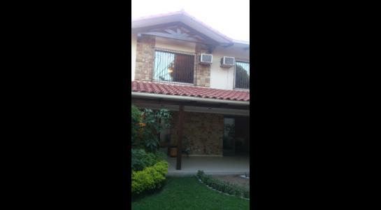 Casa en Alquiler AVENIDA BUSH Foto 3