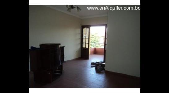 Casa en Alquiler Av. Roca y Coronado 3 er anillo Foto 3