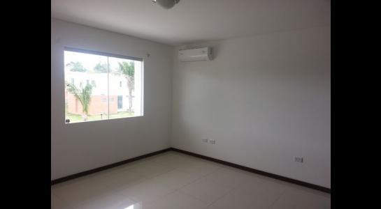 Casa en Alquiler Urubo, condominio Costa los Batos del urubo Foto 2