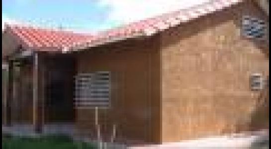 Casa en Alquiler  Av. Montecristo, por la doble vía a Cotoca. Finalizando el asfalto frente al hospital municipal Foto 6