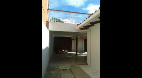 Casa en Alquiler ALEMANA ENTRE 5TO Y SEXTO ANILLO FRENTE A BIBLIOTECA MUNICIPAL TODO CON ASFALTO. Foto 5