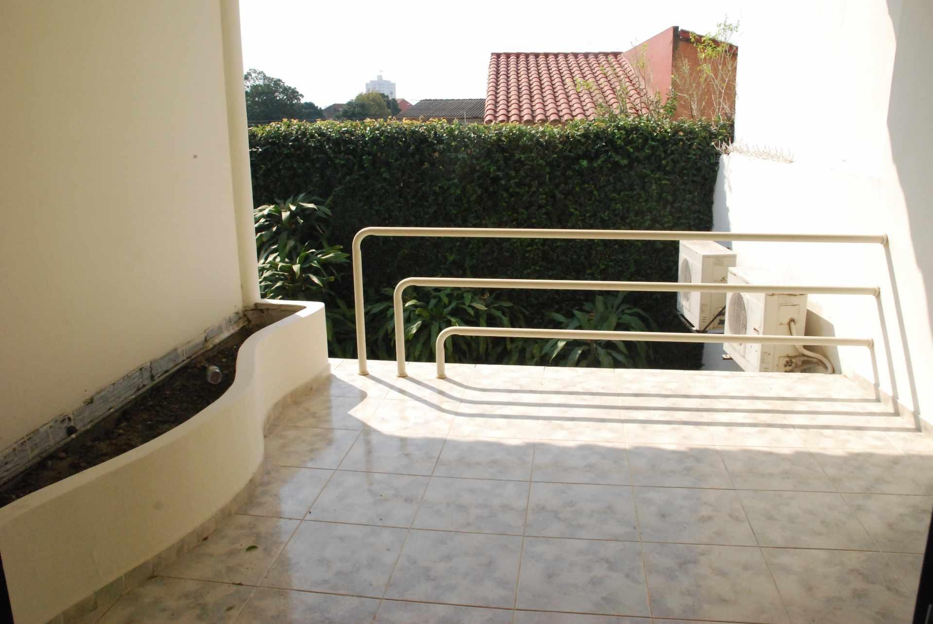 Casa en Alquiler Condominio Barrio Norte , al lado del Mall Las Brisas, 4to anillo Avenida Banzer. Foto 5