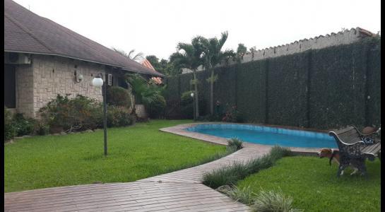 Casa en Alquiler Urbanización Ciudad Jardín,6.to Anillo al Norte cerca de la UCEBOL Foto 2