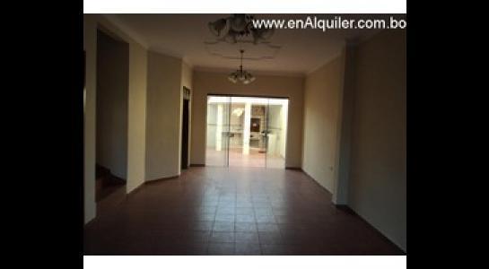 Casa en Alquiler Av. Roca y Coronado 3 er anillo Foto 2