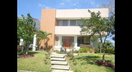 Casa en Alquiler Urubo, El condominio el Parque de los Jardines  del urubo Foto 13