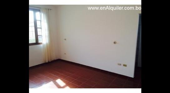 Casa en Alquiler Av.beni entre 4to y 5to anillo Foto 4