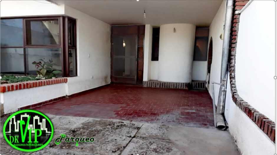 Casa en Alquiler Equipetrol 3er y 4to Anillo Foto 12