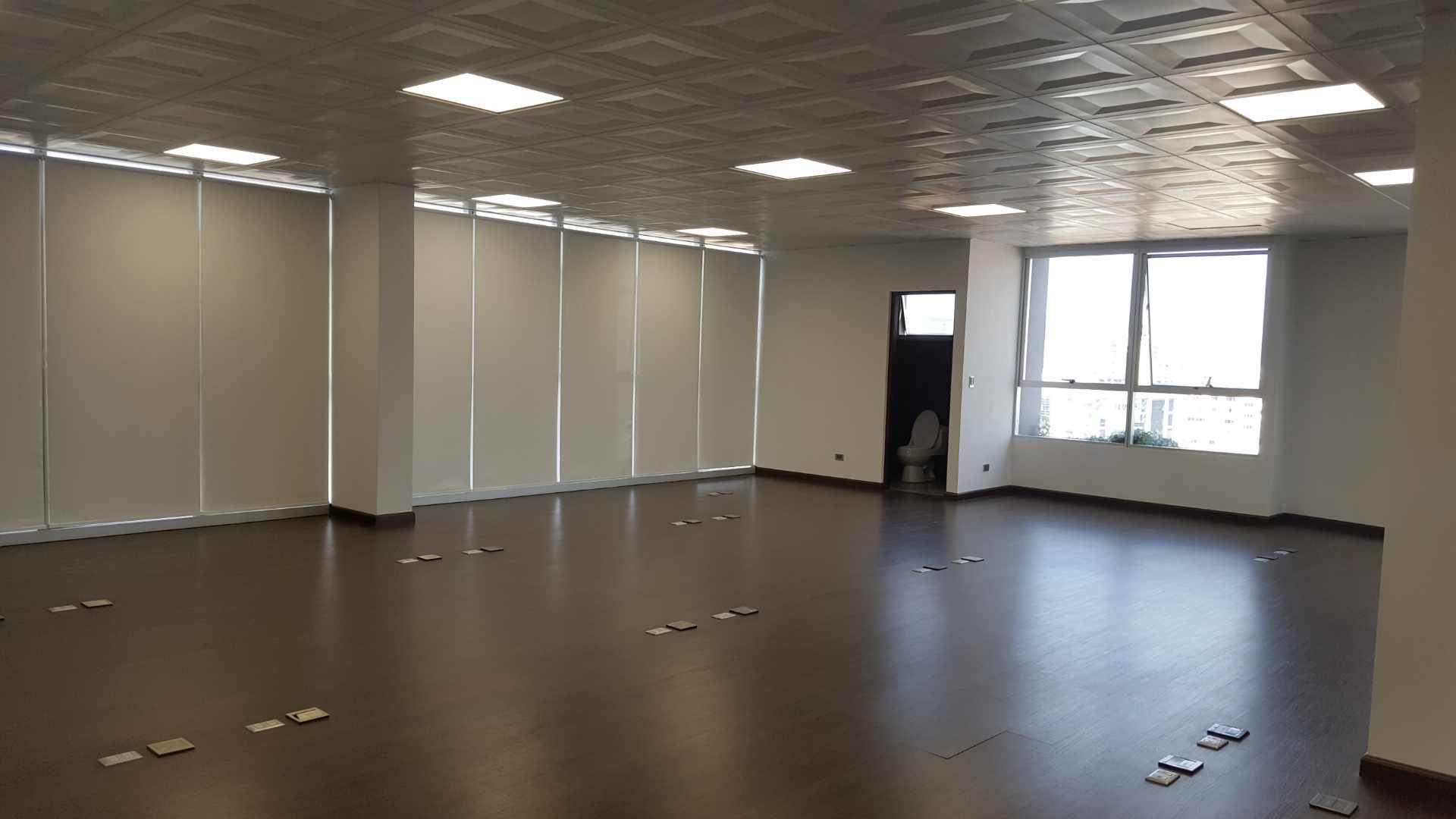 Oficina en Alquiler $U$.-1.400 PRECIOSA OFICINA EN ALQUILER ZONA CINE CENTER Foto 5