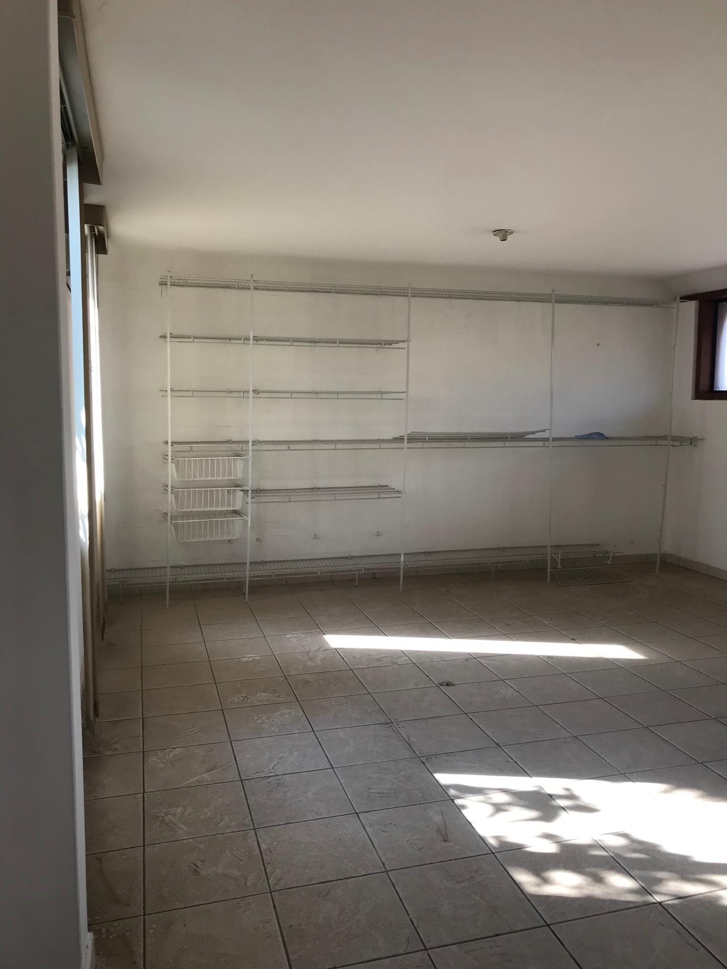 Casa en Alquiler Av. Melchor Pinto entre 1ro y 2do anillo  Foto 21