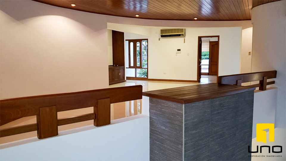 Casa en Alquiler HERMOSA RESIDENCIA EN LA MEJOR ZONA DEL BARRIO LAS PALMAS Foto 9
