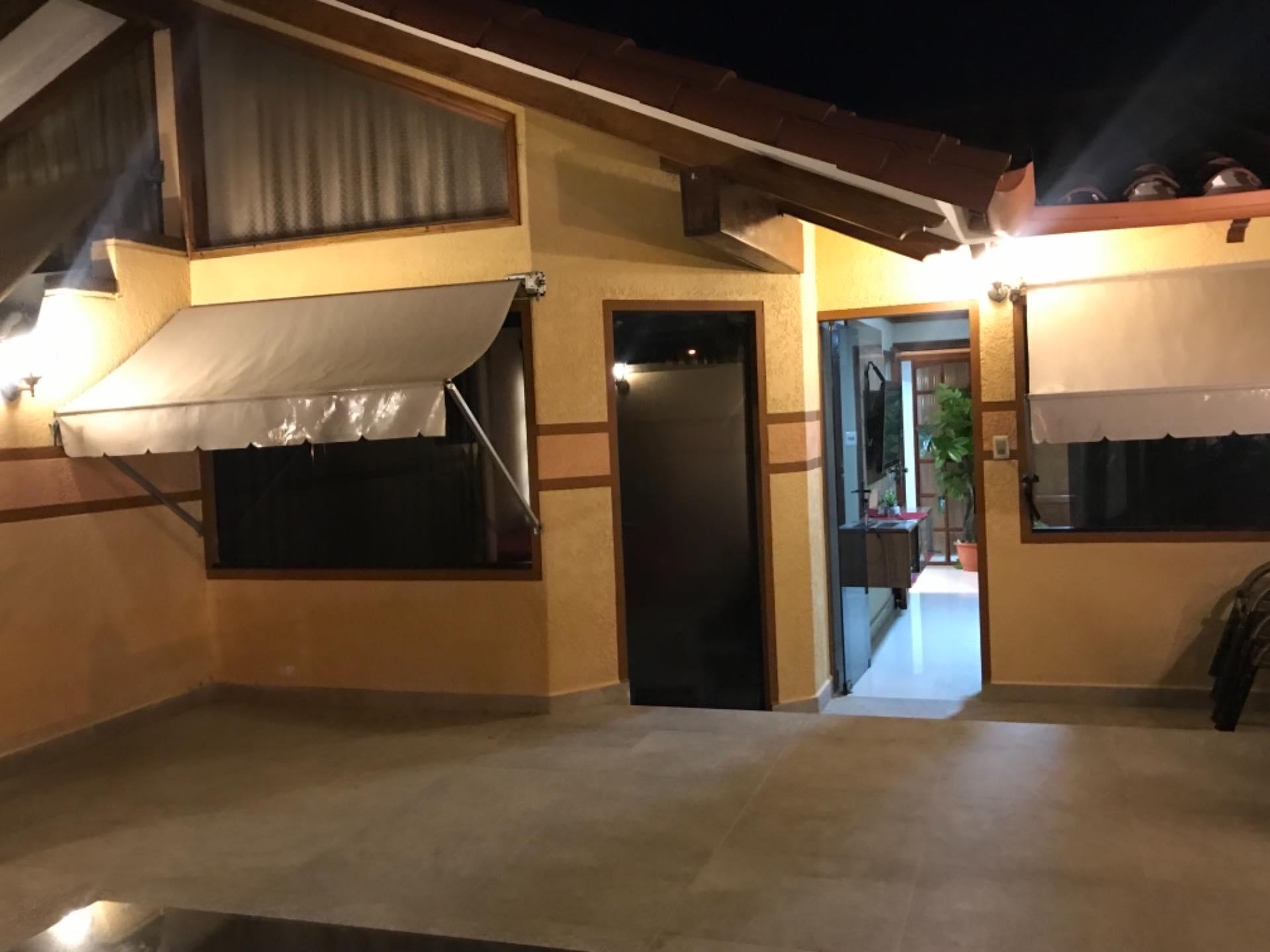 Casa en Venta Sobre avenida Santos Dumont entre 2do y 3er anilllo  Foto 12