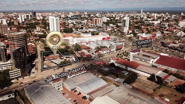 Terreno en Venta Sobre 3er. anillo interno entre avenida Banzer y Beni. Foto 3