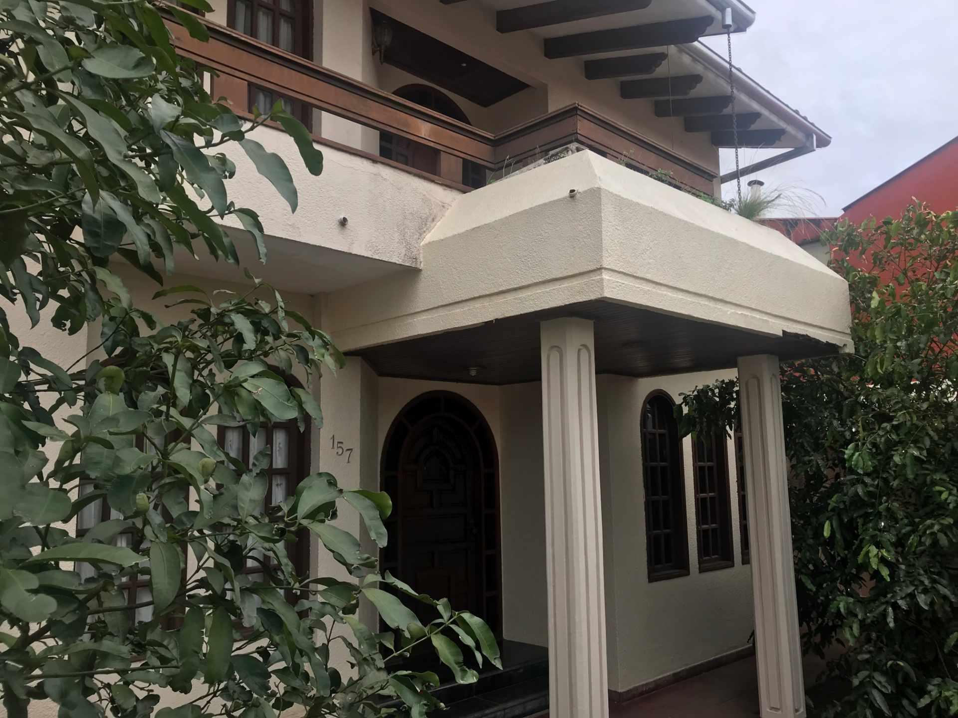 Casa en Venta Zona Sur de la Ciudad, Barrio Ramafa frente al Colegio Militar de Aviación. Foto 6
