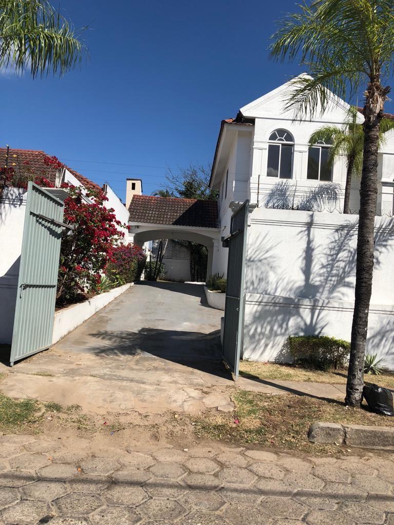 Casa en Alquiler Av Piraí y 4to anillo  Foto 12
