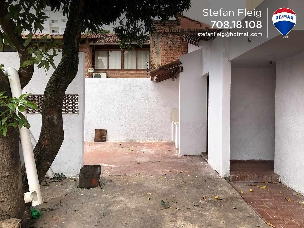 Casa en Venta Casa Avenida Beni entre 2do y 3er anillo, calle Guapomo Foto 4