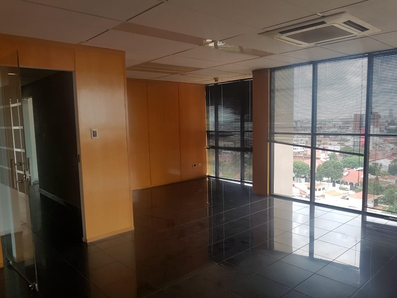 Oficina en Venta Gran oficina de lujo Torre Empresarial CAINCO   Foto 9