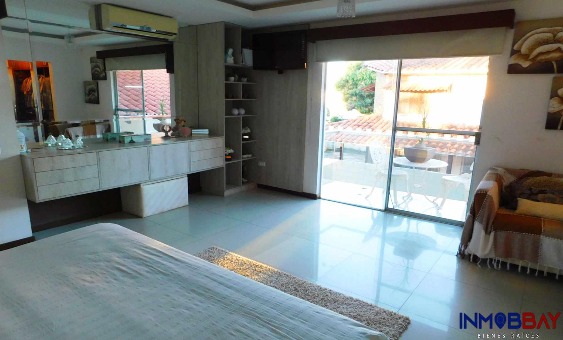 Casa en Venta AMPLIA CASA MINIMALISTA DE 2 PLANTAS RADIAL 27 Y CUARTO ANILLO Foto 7