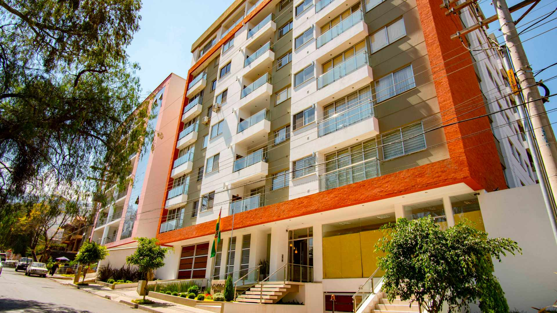 Local comercial en Venta C. Eudoro Galindo casi Circunvalación, Edificio Las Moras Foto 9