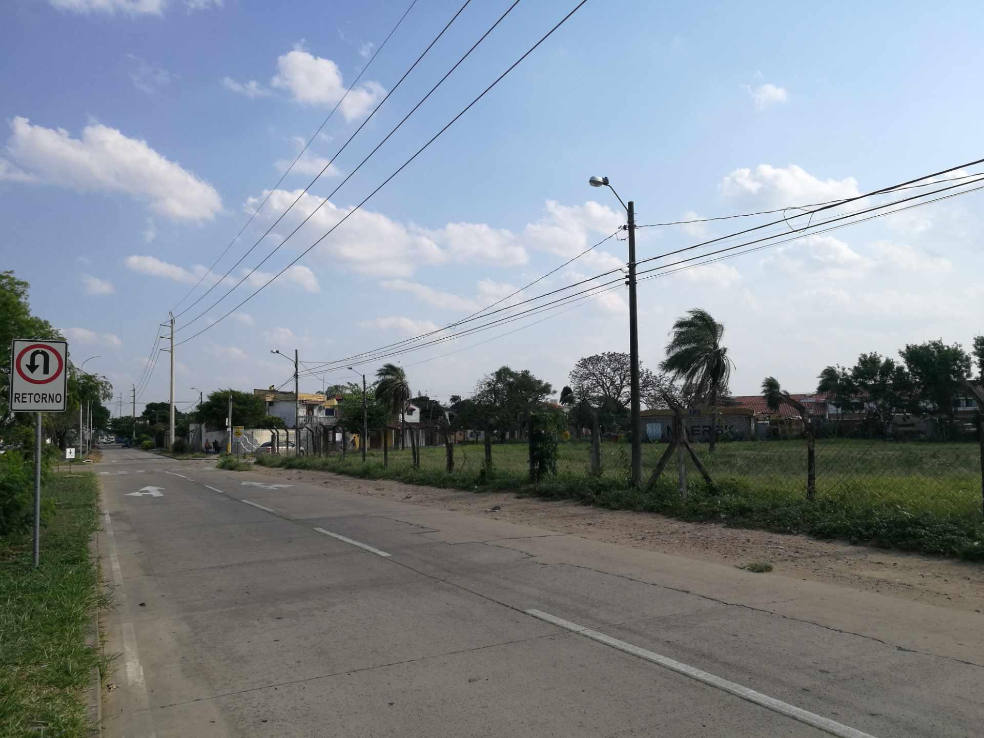 Terreno en Venta TERRENO EN VENTA AV. SAN MARTIN DE PORRES A UNA CUADRA DE LA AV. GRIGOTA Foto 2