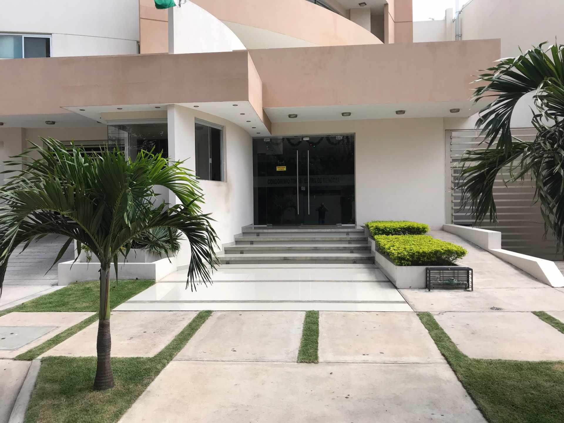 Departamento en Venta Torre Elvira de Mendoza, sobre c/Elvira de Mendoza entre Av. Las Américas y c/Monseñor Santistevan. Foto 4