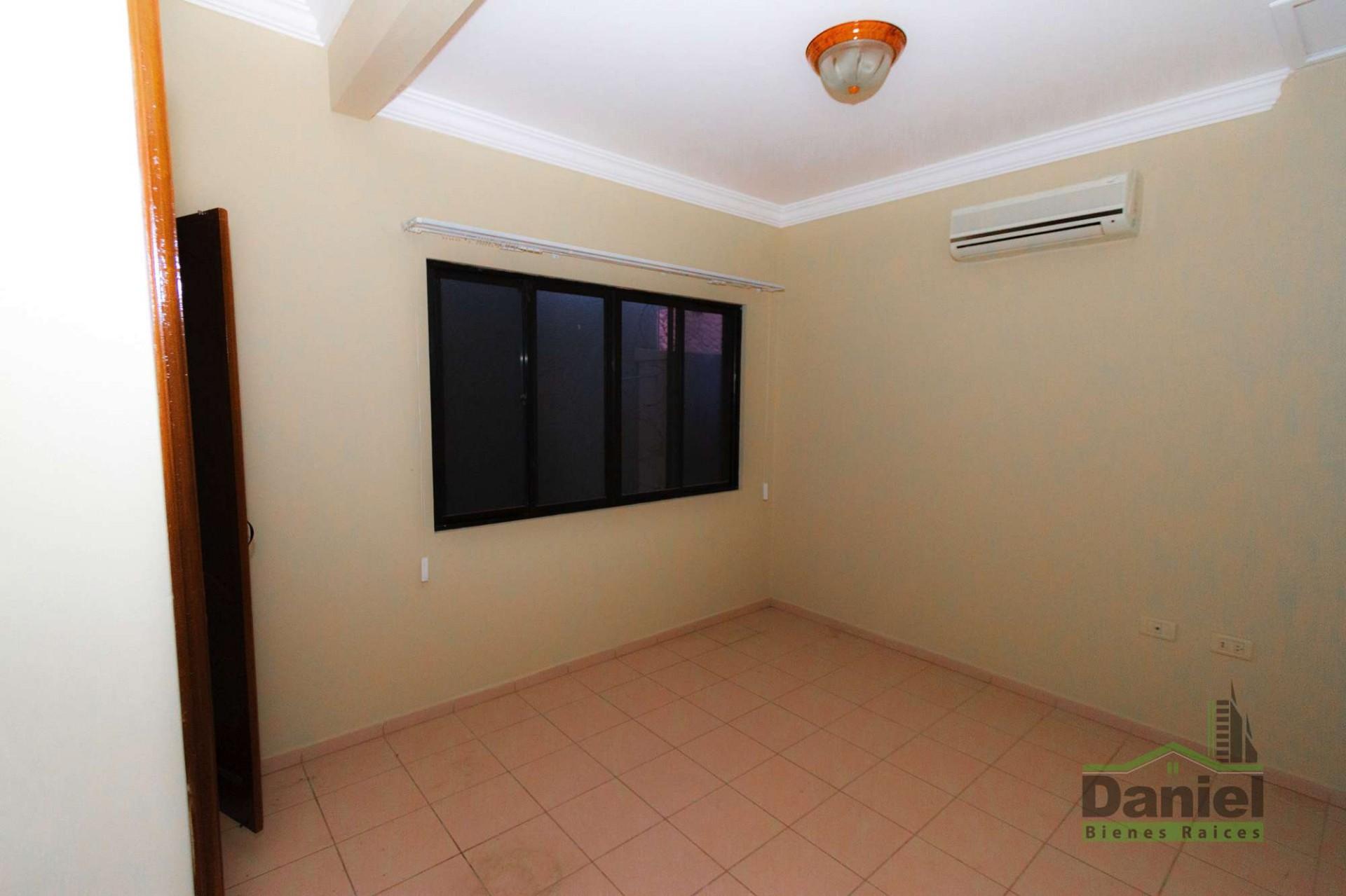 Casa en Venta CASA GRANDE ENTRE 4TO Y 5TO ANILLO RADIAL 27 Foto 7