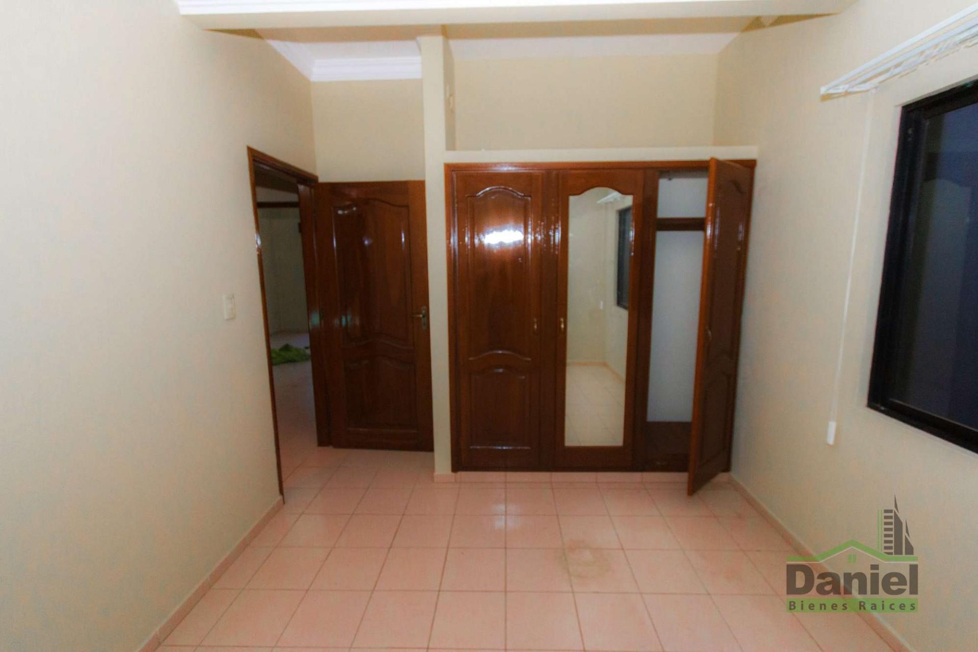 Casa en Venta CASA GRANDE ENTRE 4TO Y 5TO ANILLO RADIAL 27 Foto 12