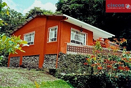 Casa en Venta Chulumani, a 15 minutos del pueblo. Foto 2