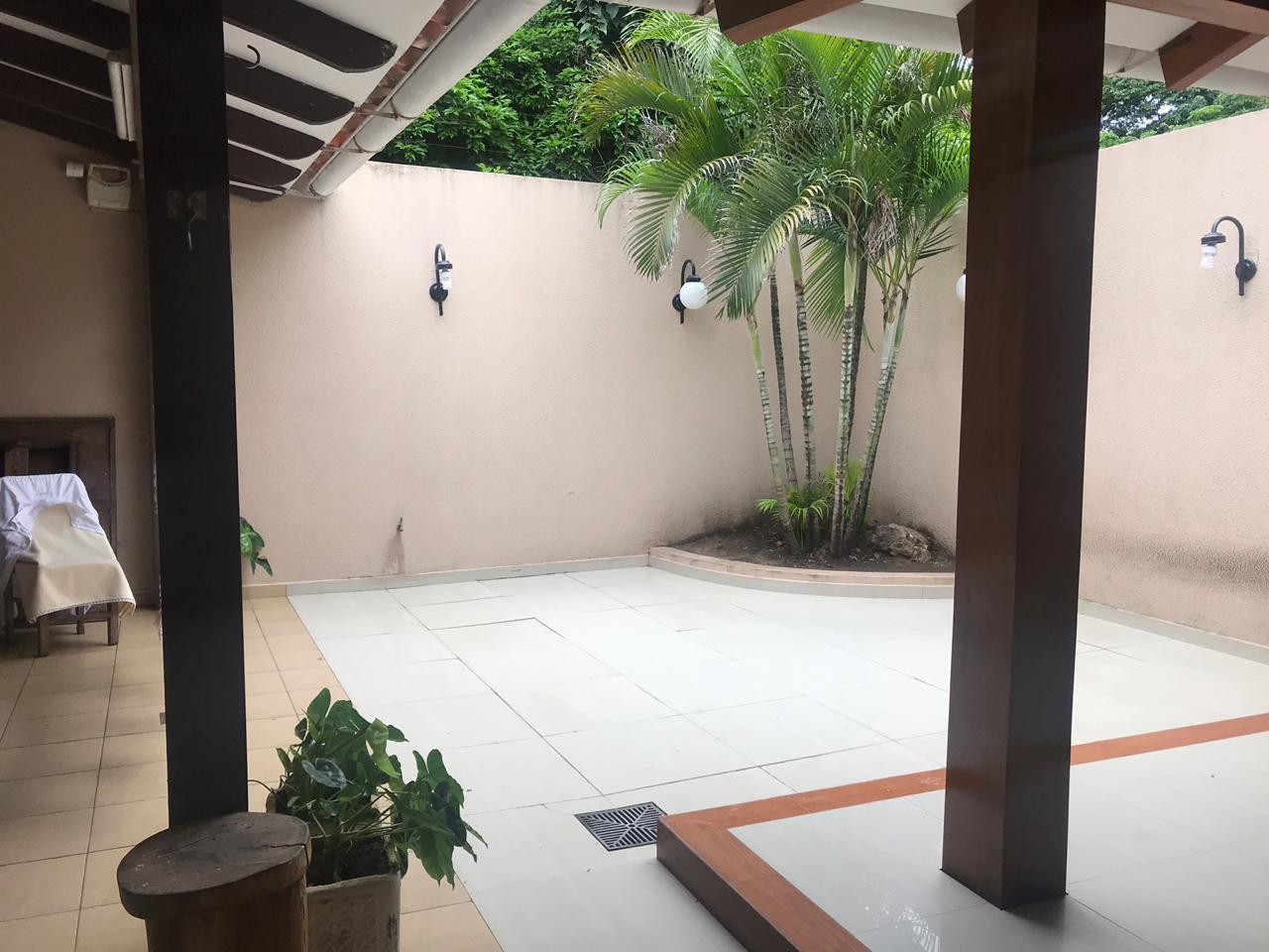 Casa en Venta AV. Hilanderia entre 4to y 5to anillo, entre Av. Pirai y Radial 17/5 Foto 2