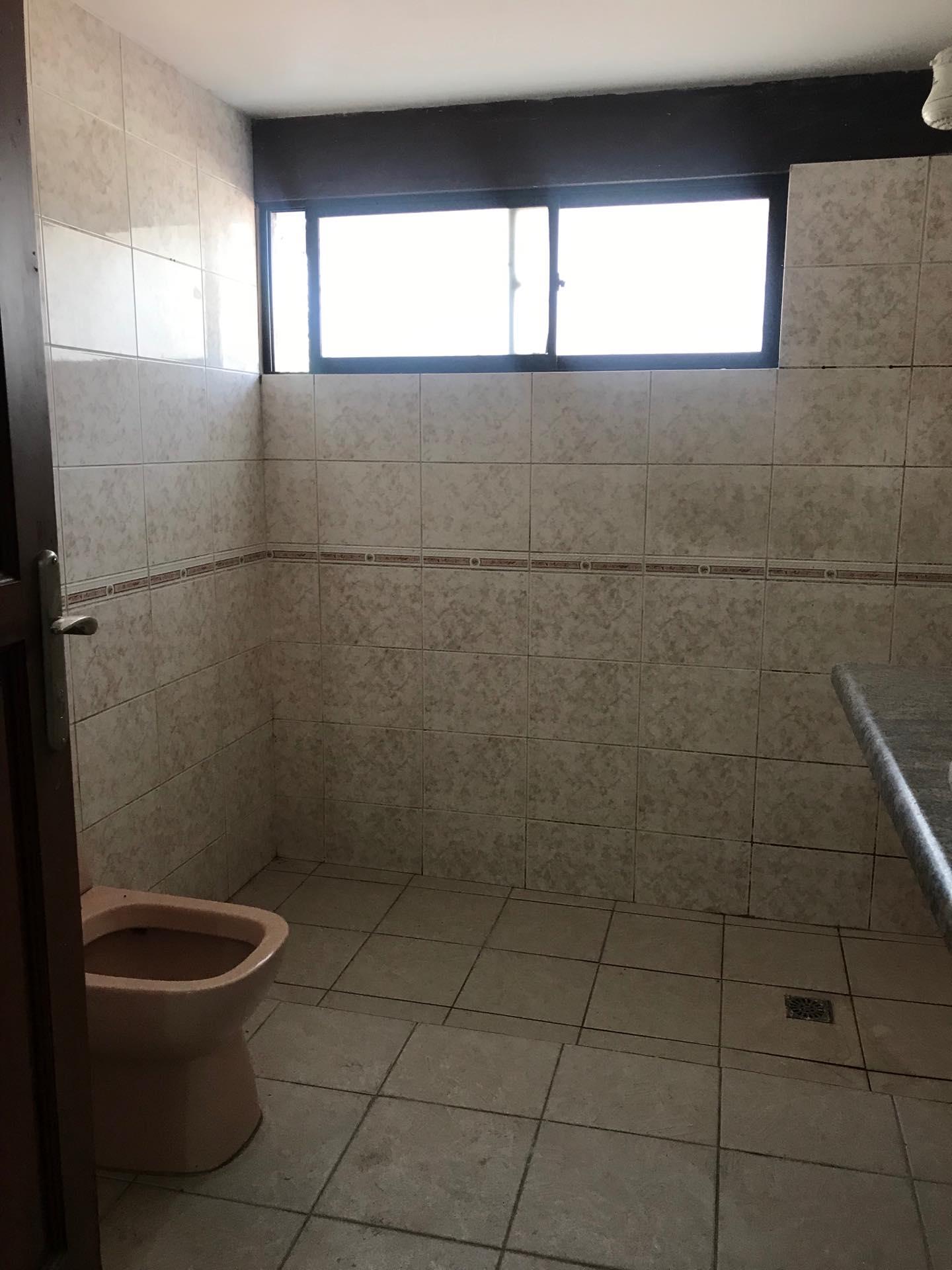 Casa en Alquiler Av. Melchor Pinto entre 1ro y 2do anillo  Foto 4