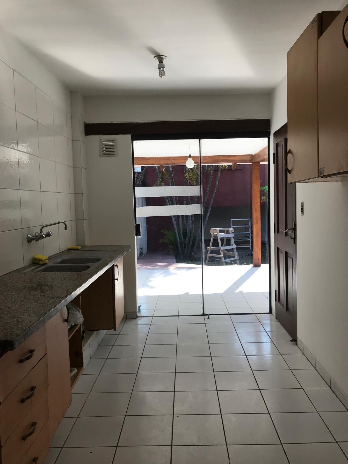 Casa en Alquiler Av. Melchor Pinto entre 1ro y 2do anillo  Foto 14