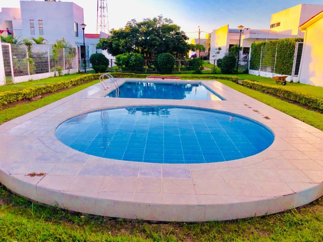 Casa en Alquiler Zona Urubo - Condominio Jardines del Urubo - lado de Restaurante Casa del Camba - a 1 minuto del Puente principal. Foto 10