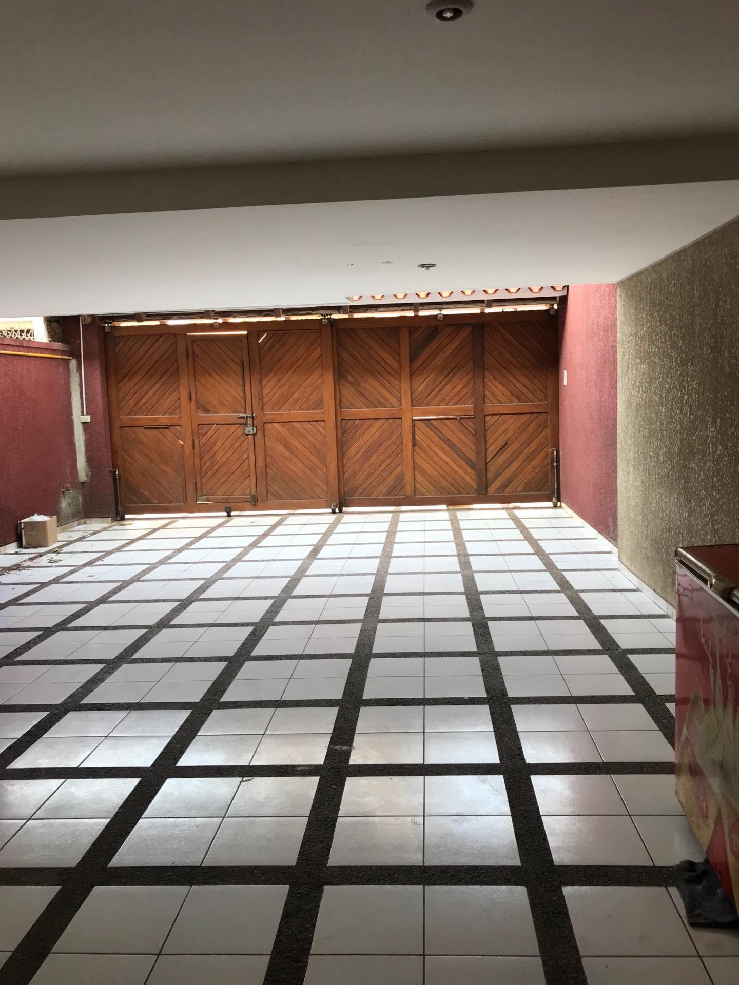 Casa en Alquiler Av. Melchor Pinto entre 1ro y 2do anillo  Foto 11