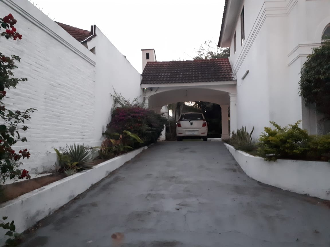 Casa en Alquiler Av Piraí y 4to anillo  Foto 2