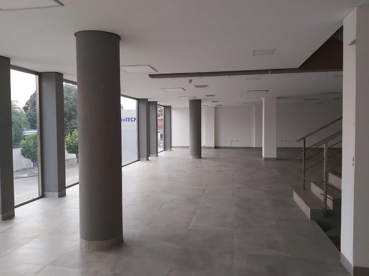 Oficina en Alquiler Calle Roboré paralela al 2do anillo Foto 2