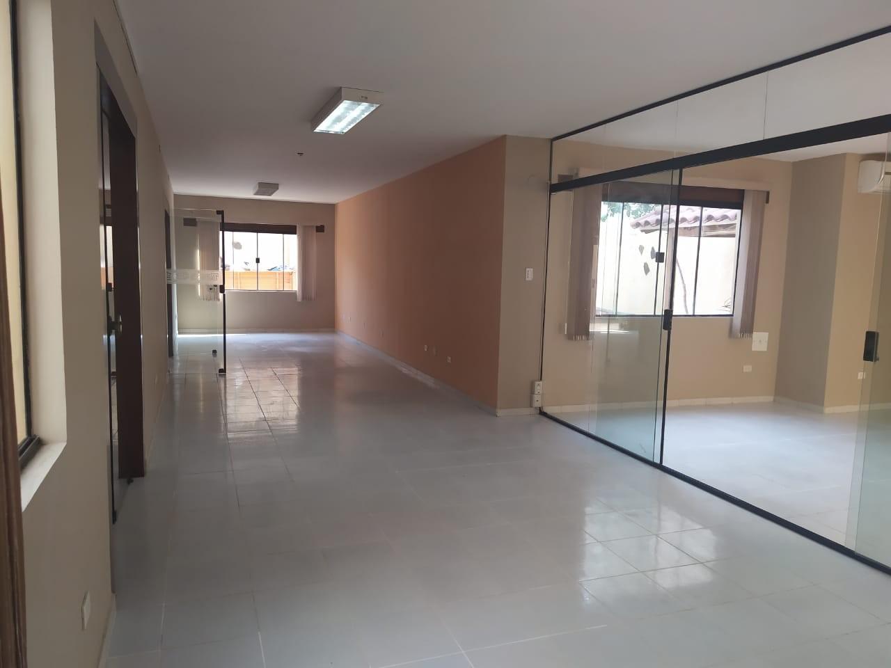 Casa en Venta Las Palmas av.San Miguel calle B 3er al 4to anillo Foto 3