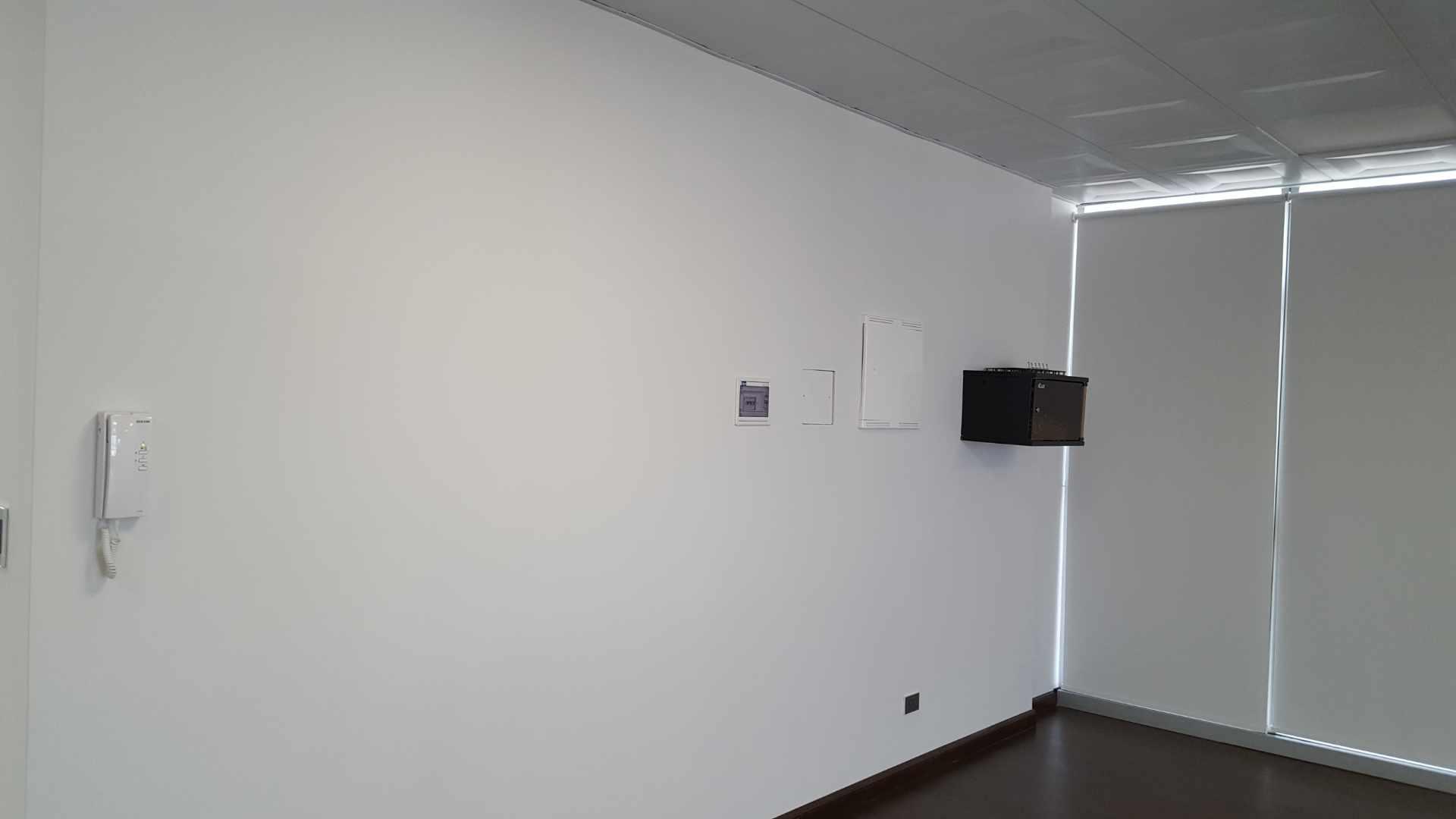 Oficina en Alquiler $U$.-1.400 PRECIOSA OFICINA EN ALQUILER ZONA CINE CENTER Foto 6