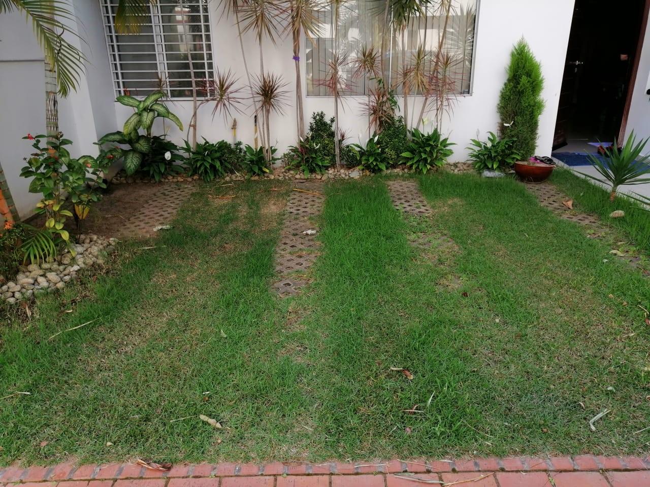 Casa en Venta Zona Av. Doble via a la Guardia 4to anillo  Foto 2