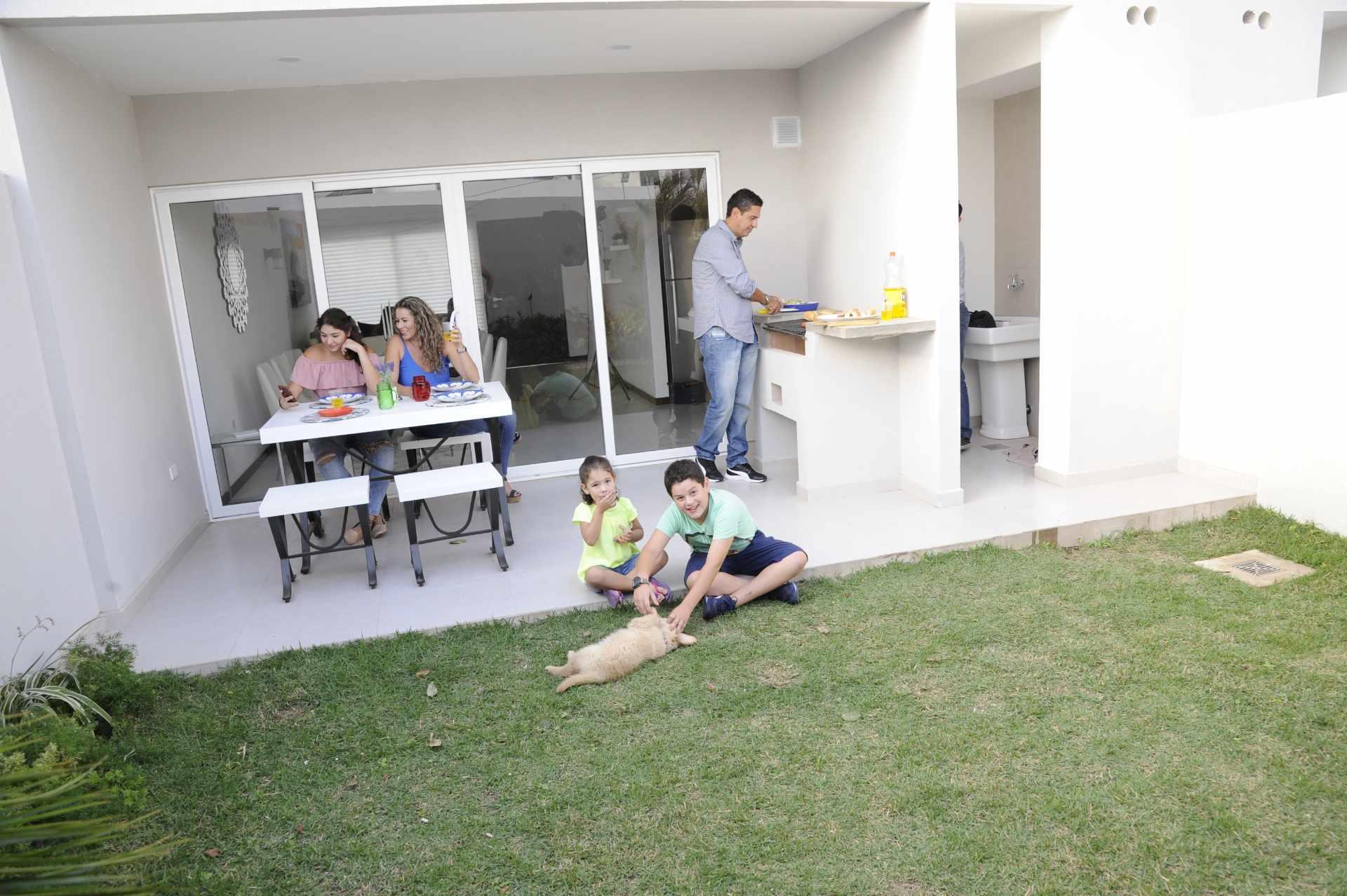 Casa en Venta Zona Norte - 7mo Anillo - Próximo a la Av. Banzer  Foto 12