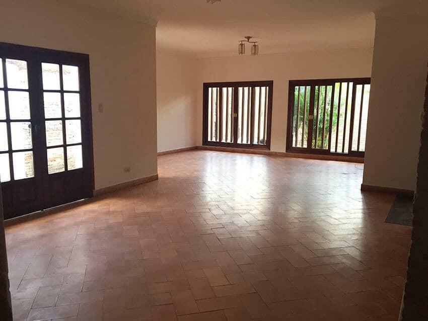 Casa en Venta Av. La Barranca, pasando 3 cuadras el 3er anillo. Foto 2