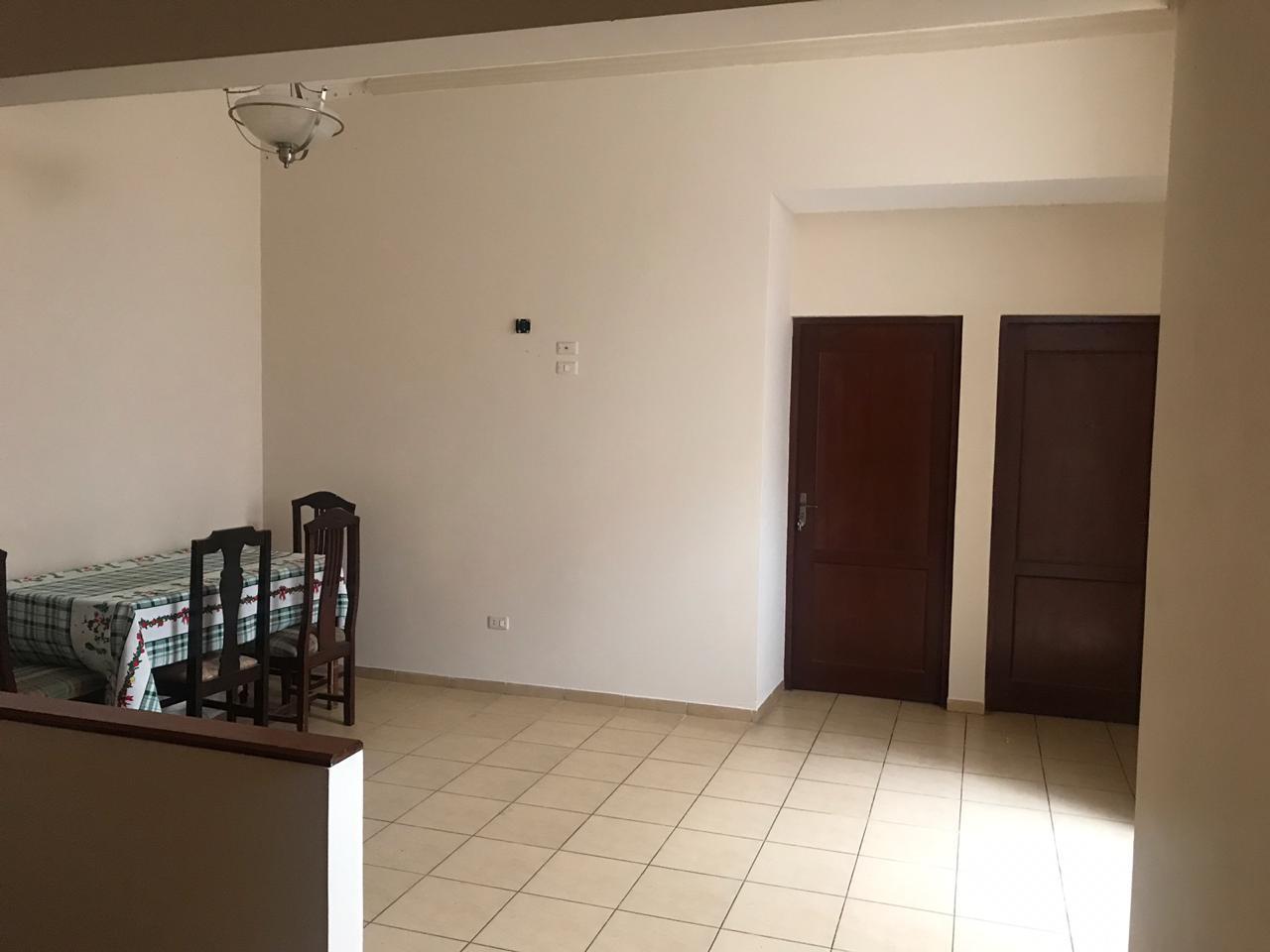 Casa en Venta AV. Hilanderia entre 4to y 5to anillo, entre Av. Pirai y Radial 17/5 Foto 6