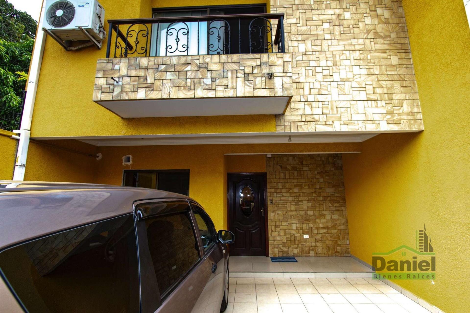Casa en Venta EN VENTA BONITA CASA RADIAL 27 Y CALLE LOS GUAPOS Foto 3