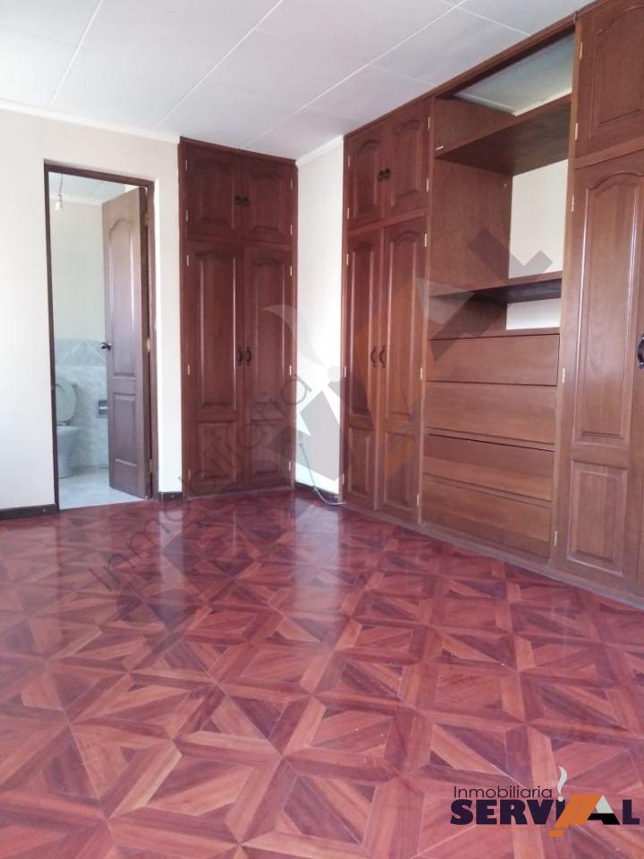 Casa en Alquiler CASA DE 2 PLANTAS INDEPENDIENTE, EN URBANIZACION, INMEDIACIONES KM 4 1/2 CIRCUNVALACIÓN Foto 4